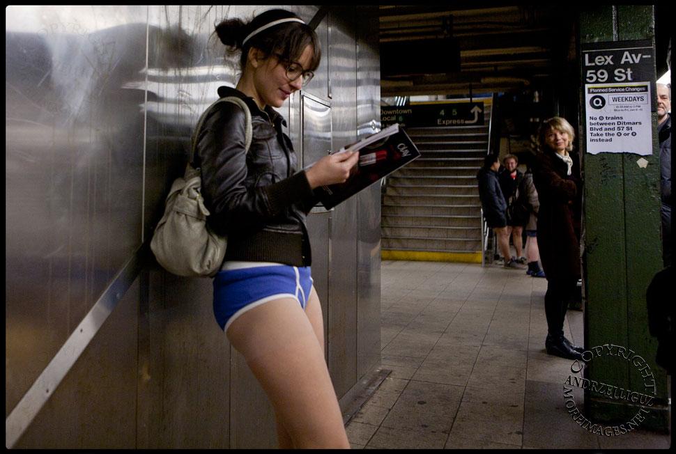 naked subway No girls pants ride