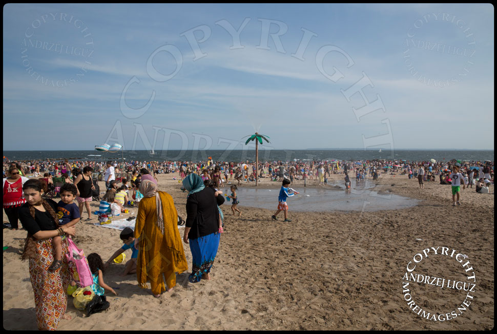 Coney Island Beach 2013 © Andrzej Liguz/moreimages.net. Not to be used without permission