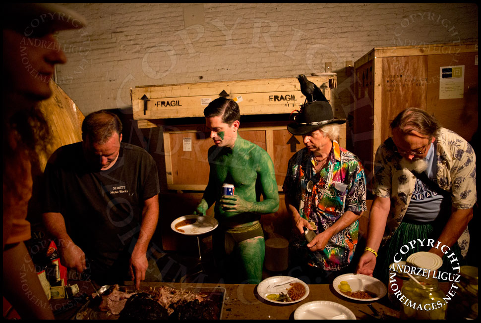 Josh Young dishing up food at Gowanus Ballroom during the Drunken Mermaid Gala © Andrzej Liguz/moreimages.net. Not to be used without permission