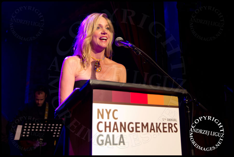 Julia Barnett Tracy hosting the African Childrens Choir 5th Annual NYC ChangeMakers Gala  © Andrzej Liguz/moreimages.net. Not to be used without permission