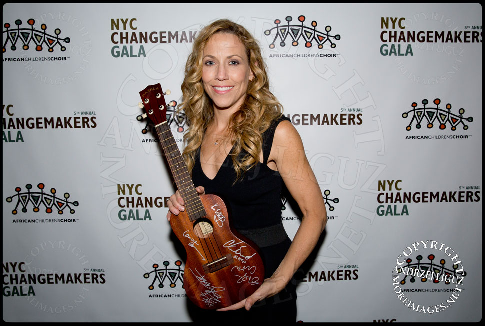 Sheryl Crow won the bid for her own guitar during the auction at the African Childrens Choir 5th Annual NYC ChangeMakers Gala  © Andrzej Liguz/moreimages.net. Not to be used without permission