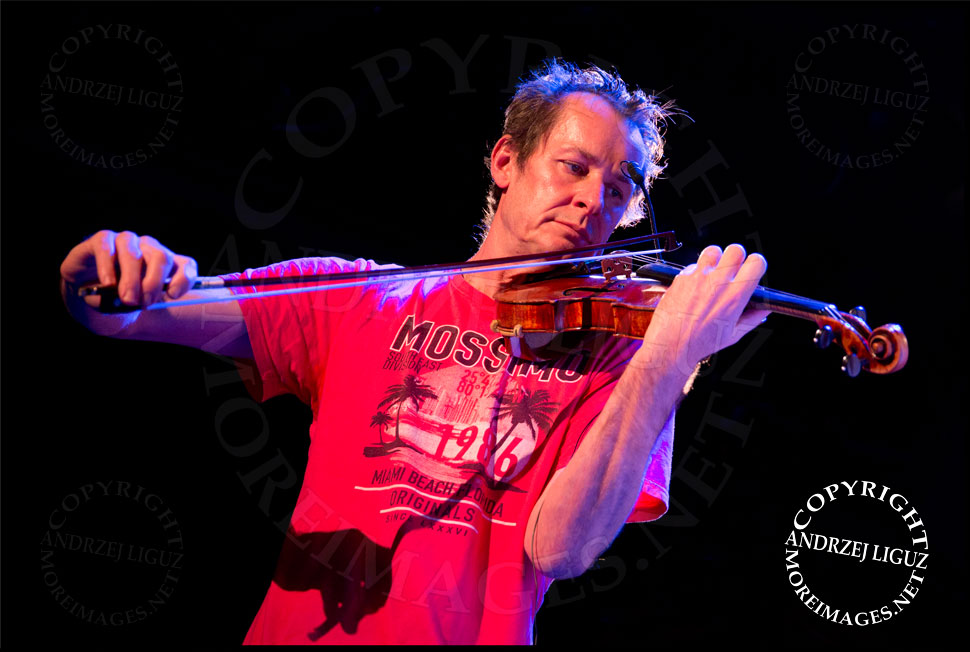 ACO Underground Artistic Director and Lead Violin Richard Tognetti © Andrzej Liguz/moreimages.net. Not to be used without permission