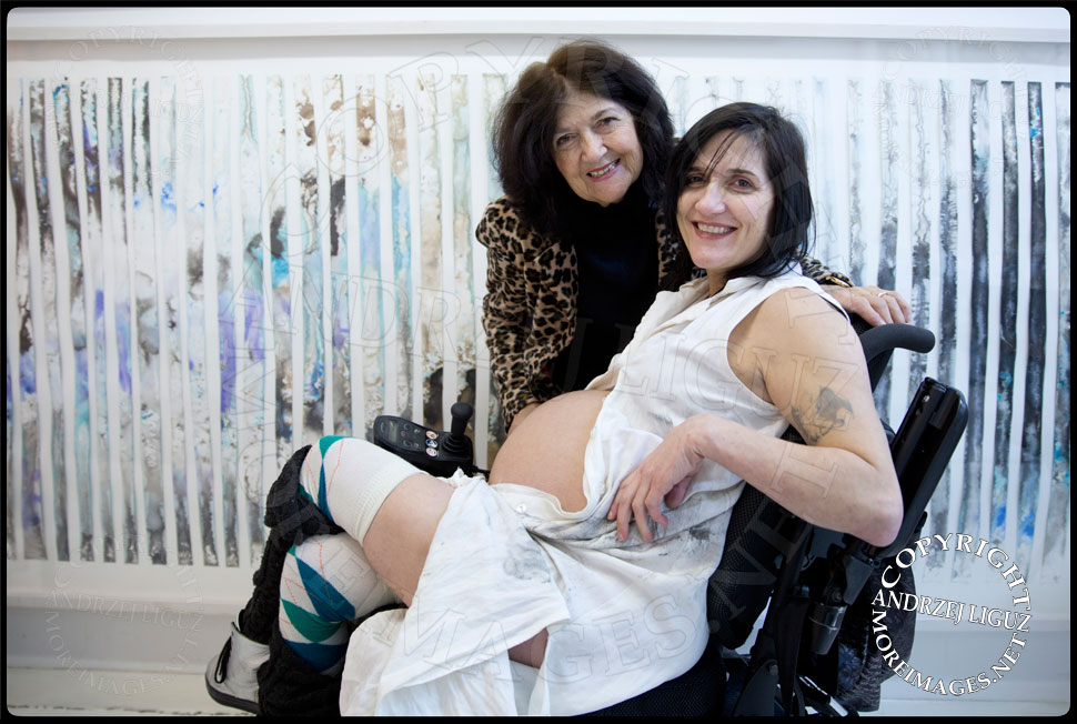 Artist Theresa Byrnes pregnant with her son Sparrow Joe Louis 2014-02-04 in her East Village Gallery 'Suffer' © Andrzej Liguz/moreimages.net. Not to be used without permission