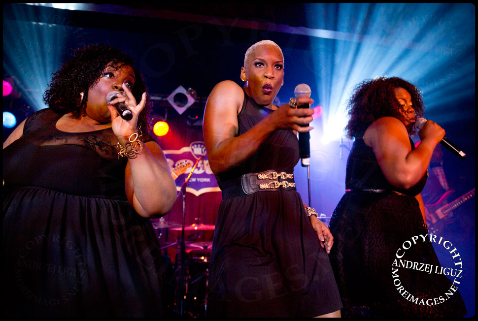 LiV Warfield with Mama Sae and Ashley Jay at BB Kings © Andrzej Liguz/moreimages.net. Not to be used without permission