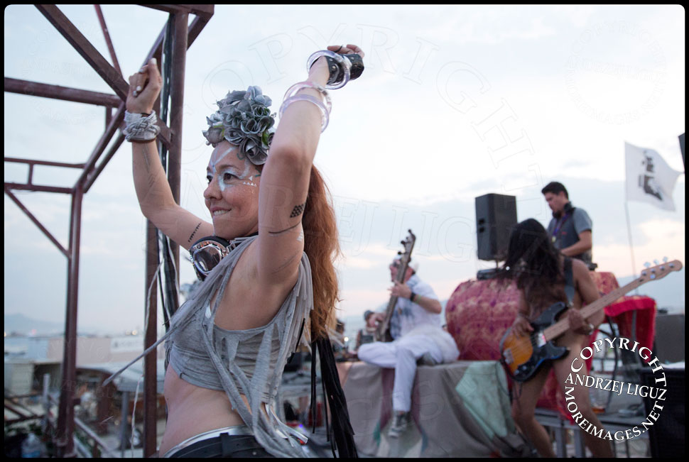 Natalia dancing with Thievery Corp at Burning Man © Andrzej Liguz/moreimages.net. Not to be used without permission