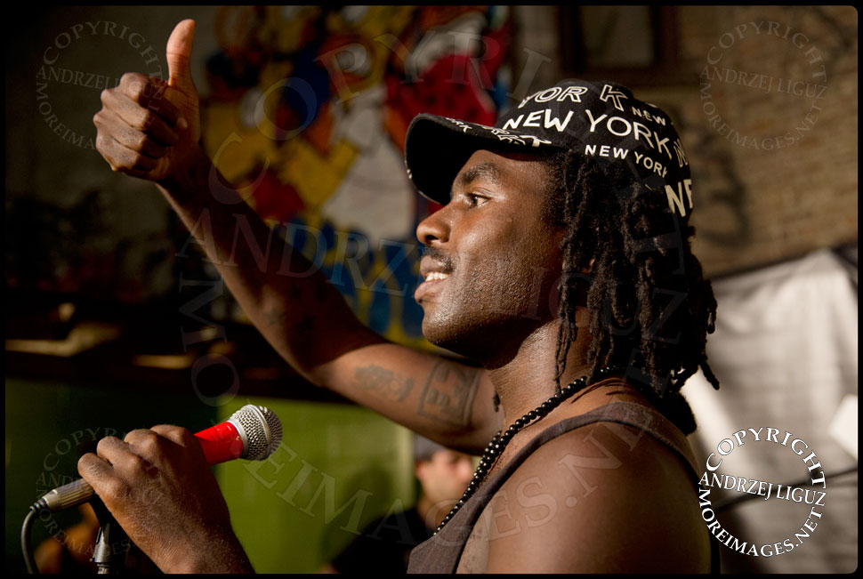 Dev Hynes performing at the Blood Orange party at Alife Rivington © Andrzej Liguz/moreimages.net. Not to be used without permission
