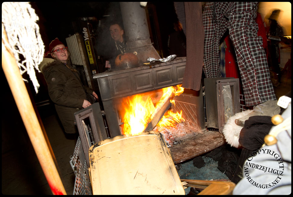 The 'Skull Eaters' stove burning cart at Gowanus Ballroom after the 2013 NYC Idiotarod Race © Andrzej Liguz/moreimages.net. Not to be used without permission