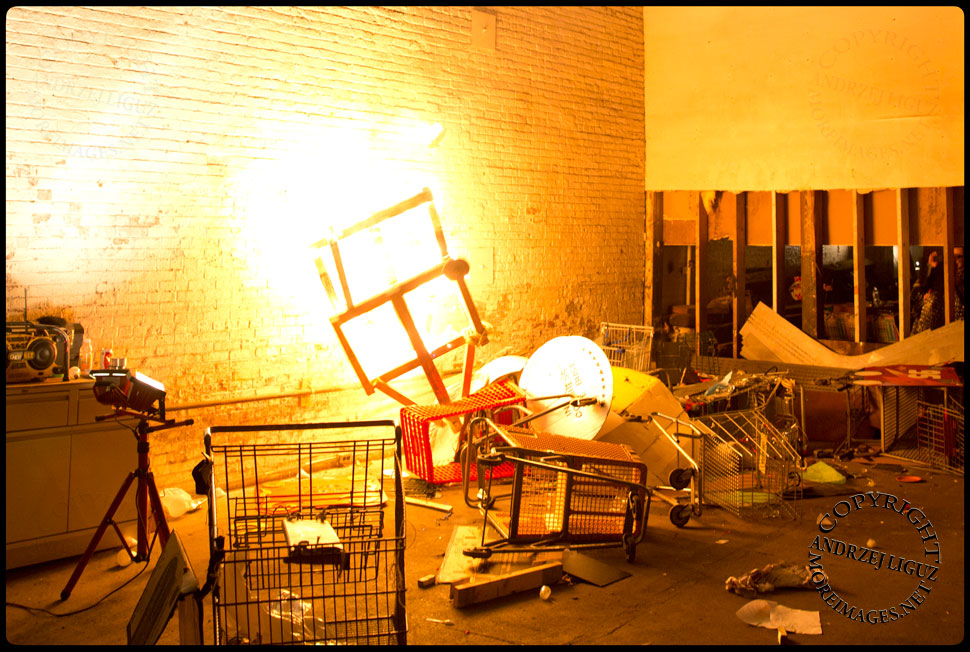 The Cart-A-Pult in action at the Cirque de Idiotarod Afterparty in Gowanus Ballroom © Andrzej Liguz/moreimages.net. Not to be used without permission