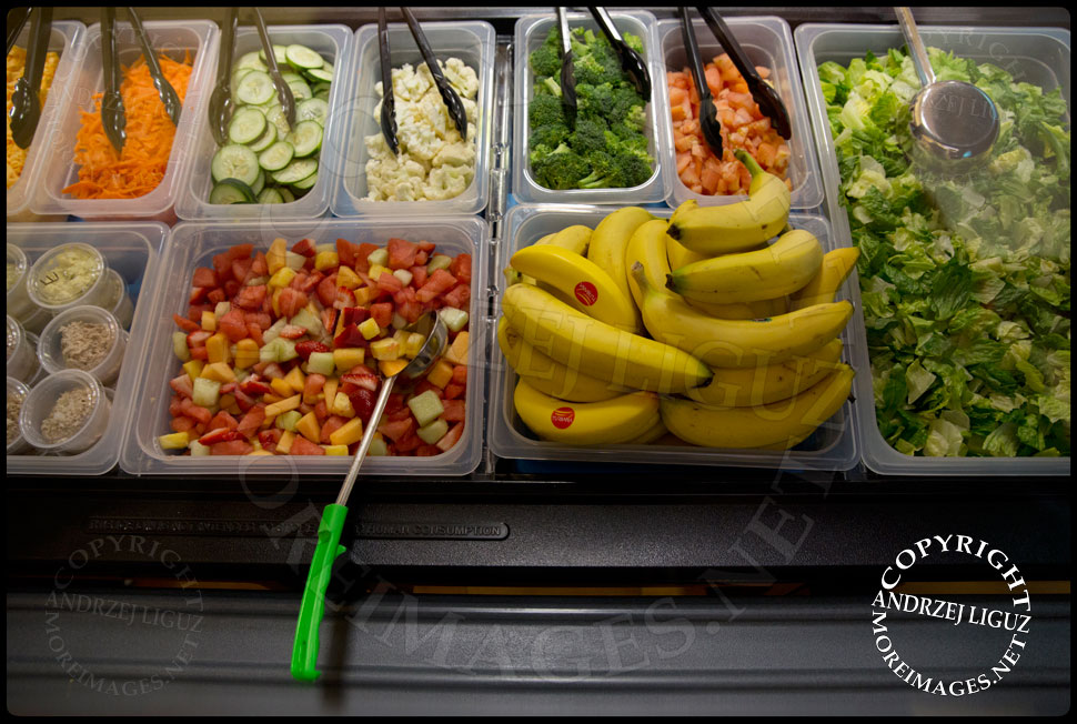 The Lets Move Salad Bar at Vails Gate Elementary School in New Windsor, NY © Andrzej Liguz/moreimages.net. Not to be used without permission