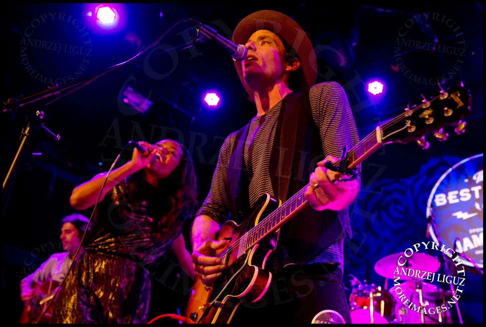 Jakob Dylan and Ruby Amanfu performing Ruby Tuesday © Andrzej Liguz/moreimages.net. Not to be used without permission