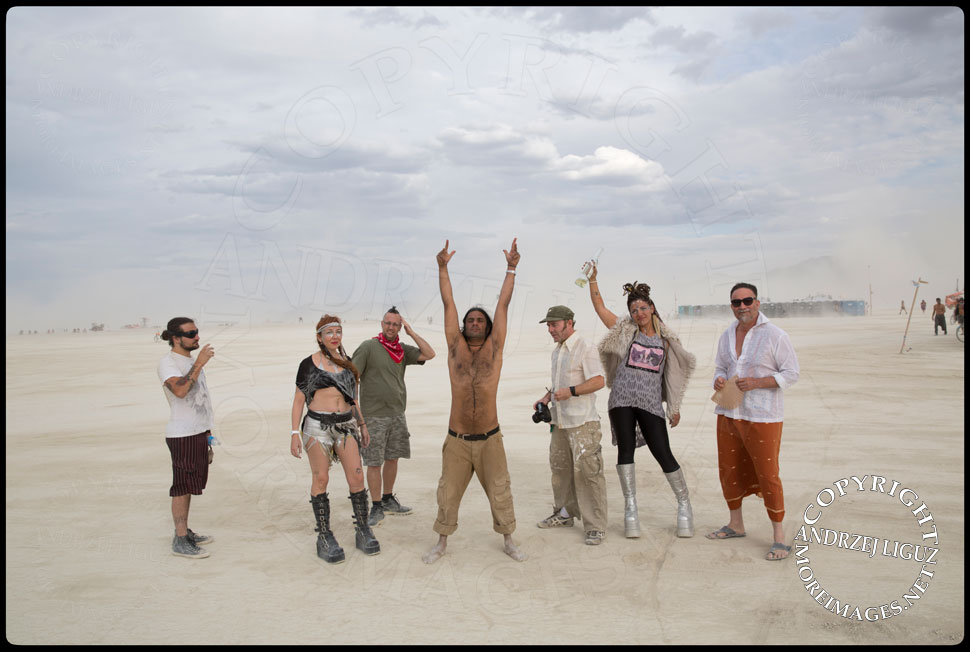 Some of the Thievery Corp family at Burning Man © Andrzej Liguz/moreimages.net. Not to be used without permission
